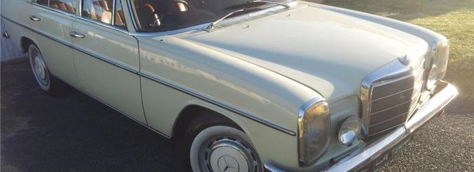 Mercedes-Benz W114 230 Automatic